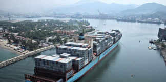 IBM und Maersk arbeiten zusammen, um den Supply-Chain-Prozess länderübergreifend mithilfe von Blockchain-Technologie zu transformieren.IBM und Maersk arbeiten zusammen, um den Supply-Chain-Prozess länderübergreifend mithilfe von Blockchain-Technologie zu transformieren.
