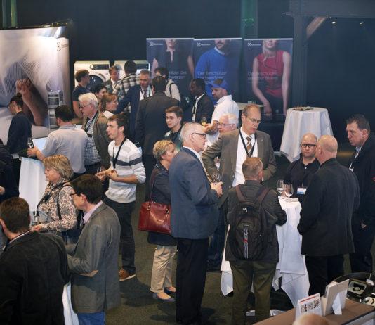 An der ELITE-Gerätetagung 2017 in Zürich haben sich Haushaltsgerätespezialisten getroffen. Über 200 Fachpersonen kamen. Das Motto hiess «Vernetzung».