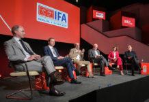 An der IFA Pressekonferenz zu sehen sind die Verantwortlichen der Messe.