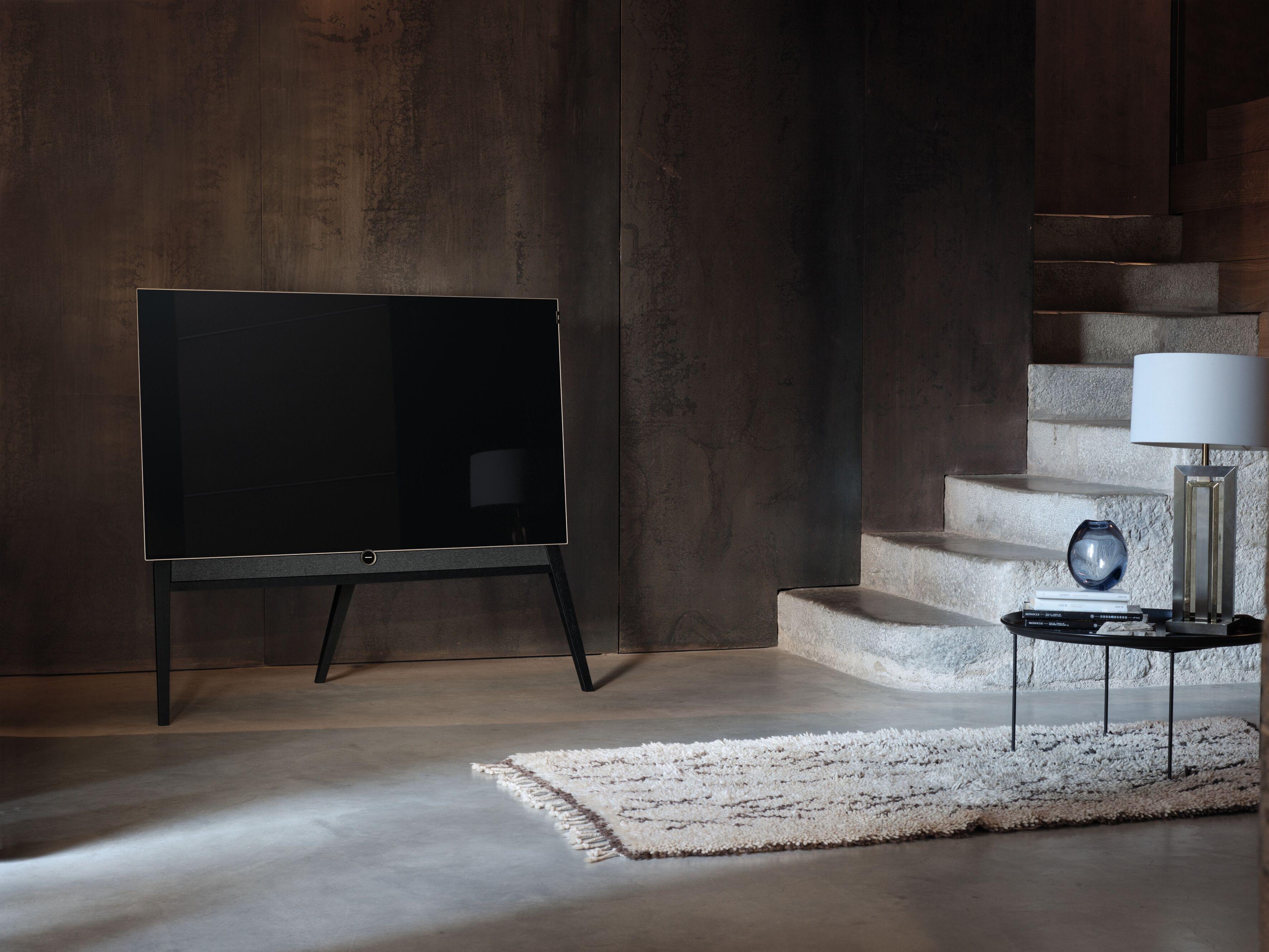 loewe pr sentiert personalisierten fernseher insidenews. Black Bedroom Furniture Sets. Home Design Ideas