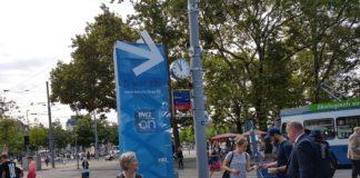 EWZ führte am Zürcher Bellevue eine Plakataktion durch.
