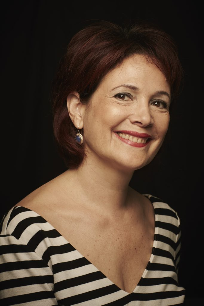 Die hervorragende Chansonnière Christine Huvos