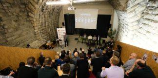 Die von Huawei organisierte Podiumsdiskussion zum Thema KI