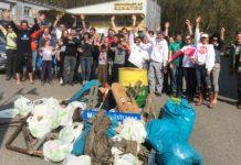 Freiwillige Helfer haben Plastik eingesammelt.