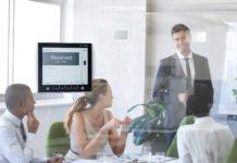 Sitzungszimmer mit ROOMZ Display und Sensor