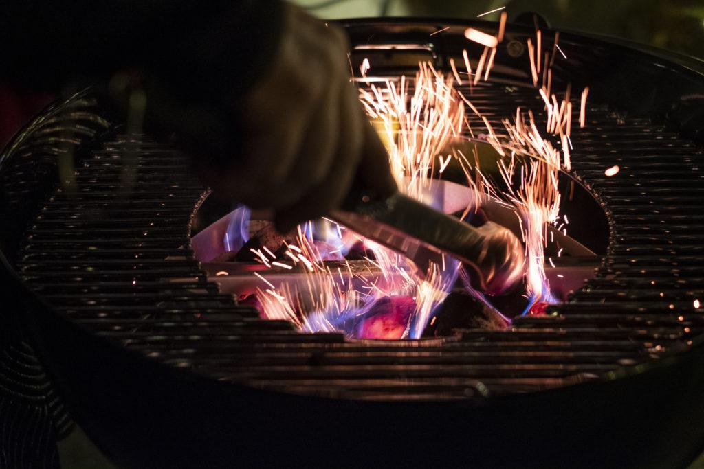 Einfeuern der Weber-Kugelgrille